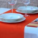 500 Caminos de Mesa naranja desechables 40x120cm. 100% Polipropileno 50grs